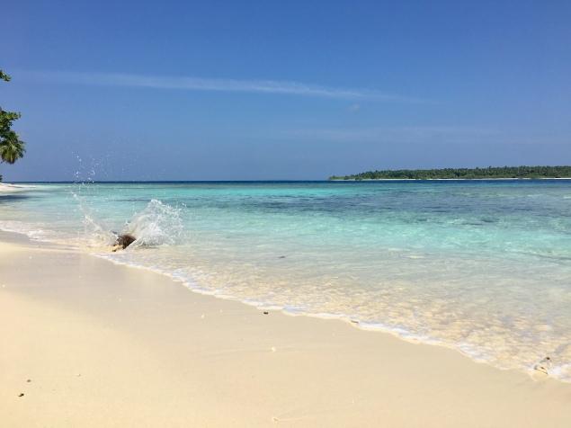 Maalhos Bikini Beach