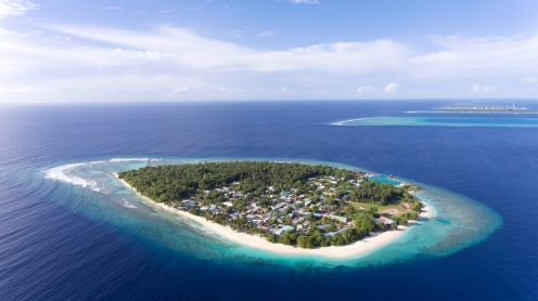 Maalhos Island aerial @schunna
