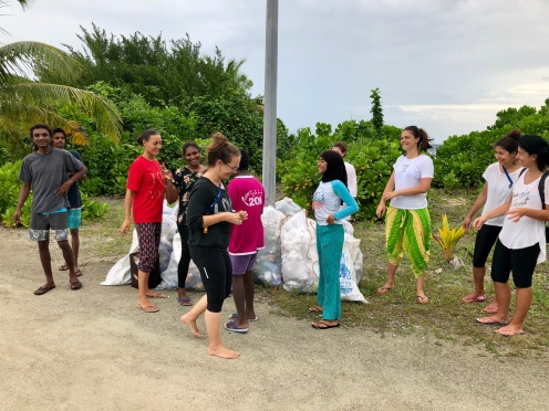 Nov 18 Retreat Day 4 Team Beach Clean