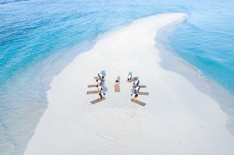 20191026_MAVIC_CAMILLA_DELLION_MALDIVES_BAA_MAALHOS_ANGAFARU_SANDBANK_YOGA_PHOTOSHOOT_DJI_0706_EDIT