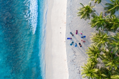 20191027_MAVIC_CAMILLA_DELLION_MALDIVES_BAA_SANDBANK_YOGA_PHOTOSHOOT_DJI_0404_EDIT