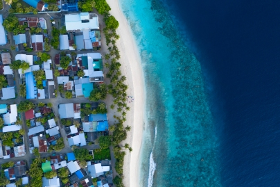 20191027_MAVIC_CAMILLA_DELLION_MALDIVES_BAA_SANDBANK_YOGA_PHOTOSHOOT_DJI_0415_EDIT