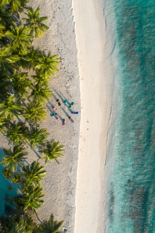 20191027_MAVIC_CAMILLA_DELLION_MALDIVES_BAA_SANDBANK_YOGA_PHOTOSHOOT_DJI_0450_EDIT